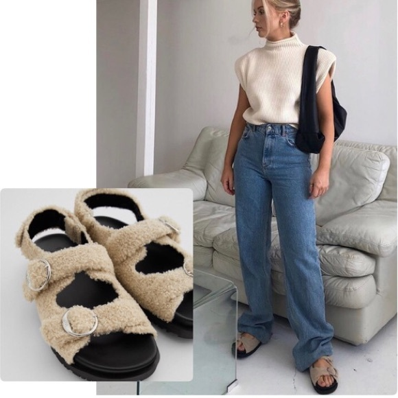 NWOT Faux Fur Sherpa Buckle Sandals